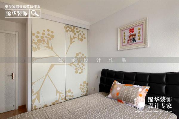 女生卧室欧式金色