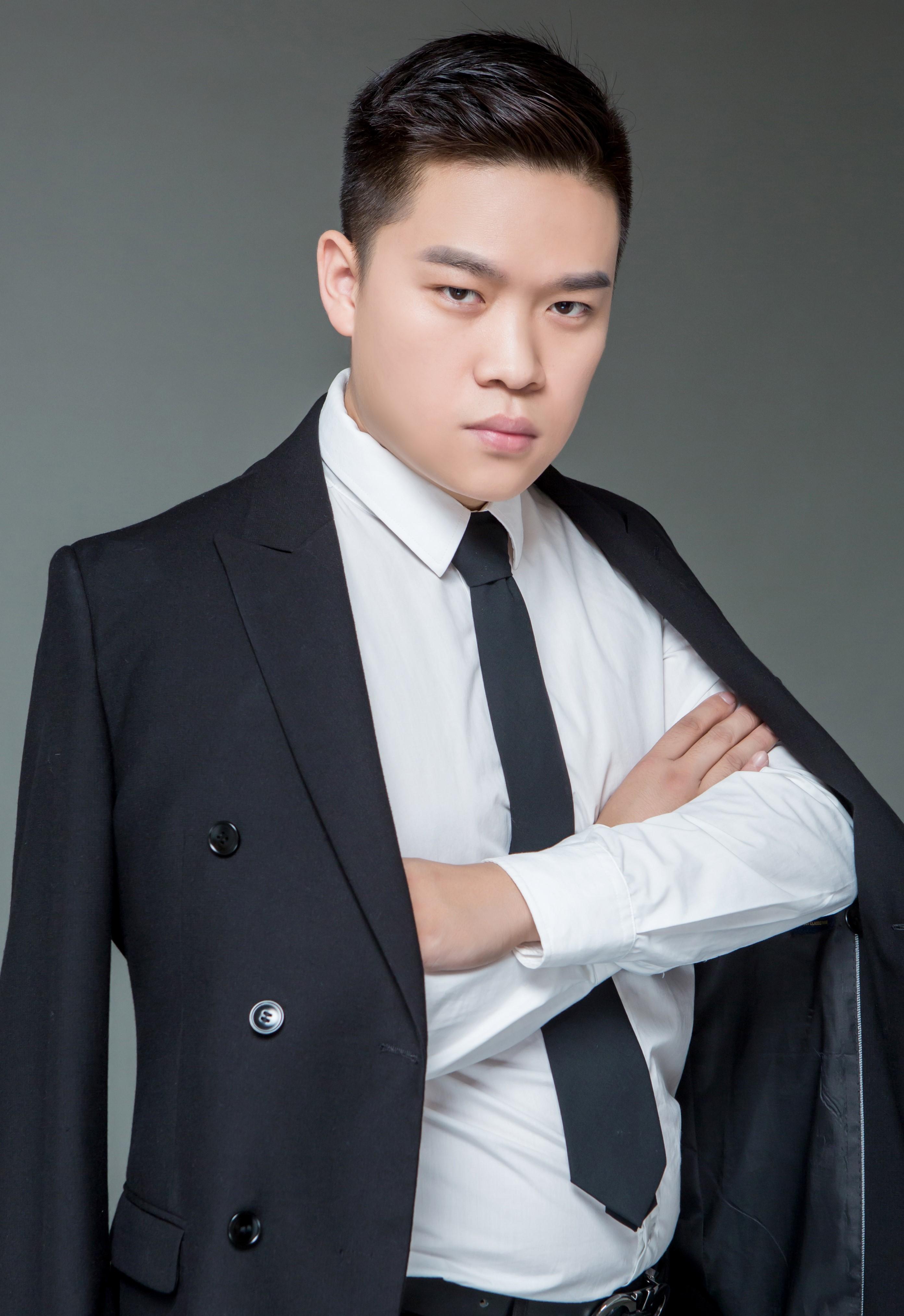 锦华装饰设计师-吴鹏