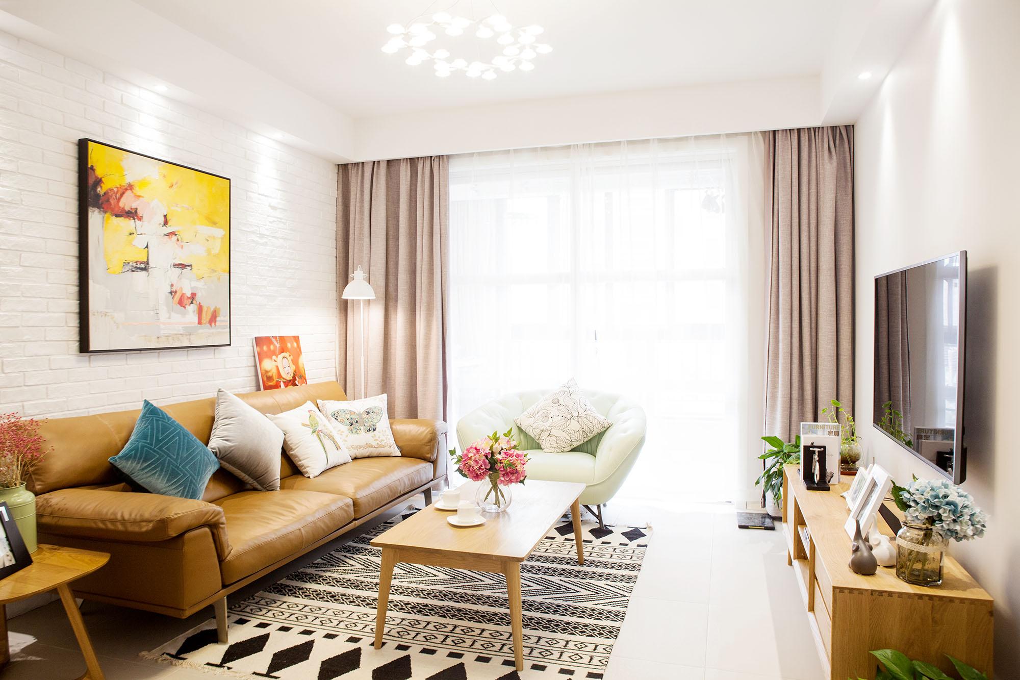 现代简约 德诚翠湖湾 三室两厅 120平米