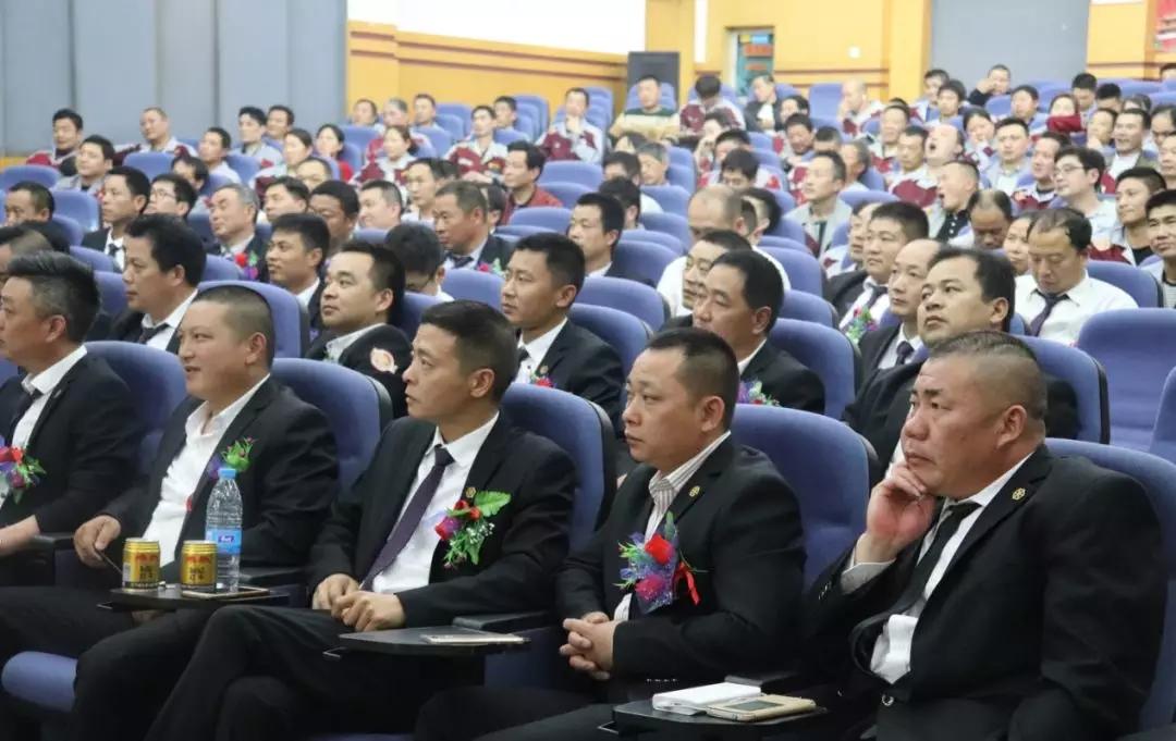 锦文化|为什么越来越多的工人在锦华干活?——锦华装饰2018年第一季度工人召开