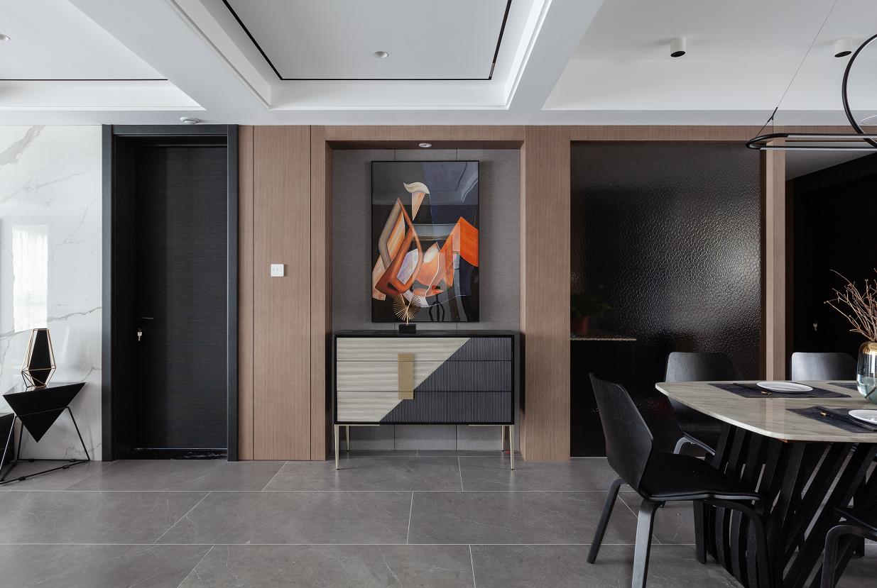 现代风格  4室2厅2卫  湖畔天下153平米