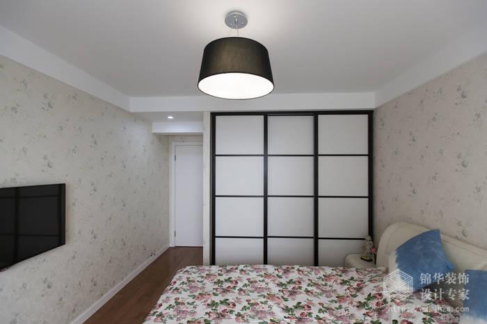 现代简约风格-绿地波士顿-三室两厅-105平米-卧室-装修实景效果图