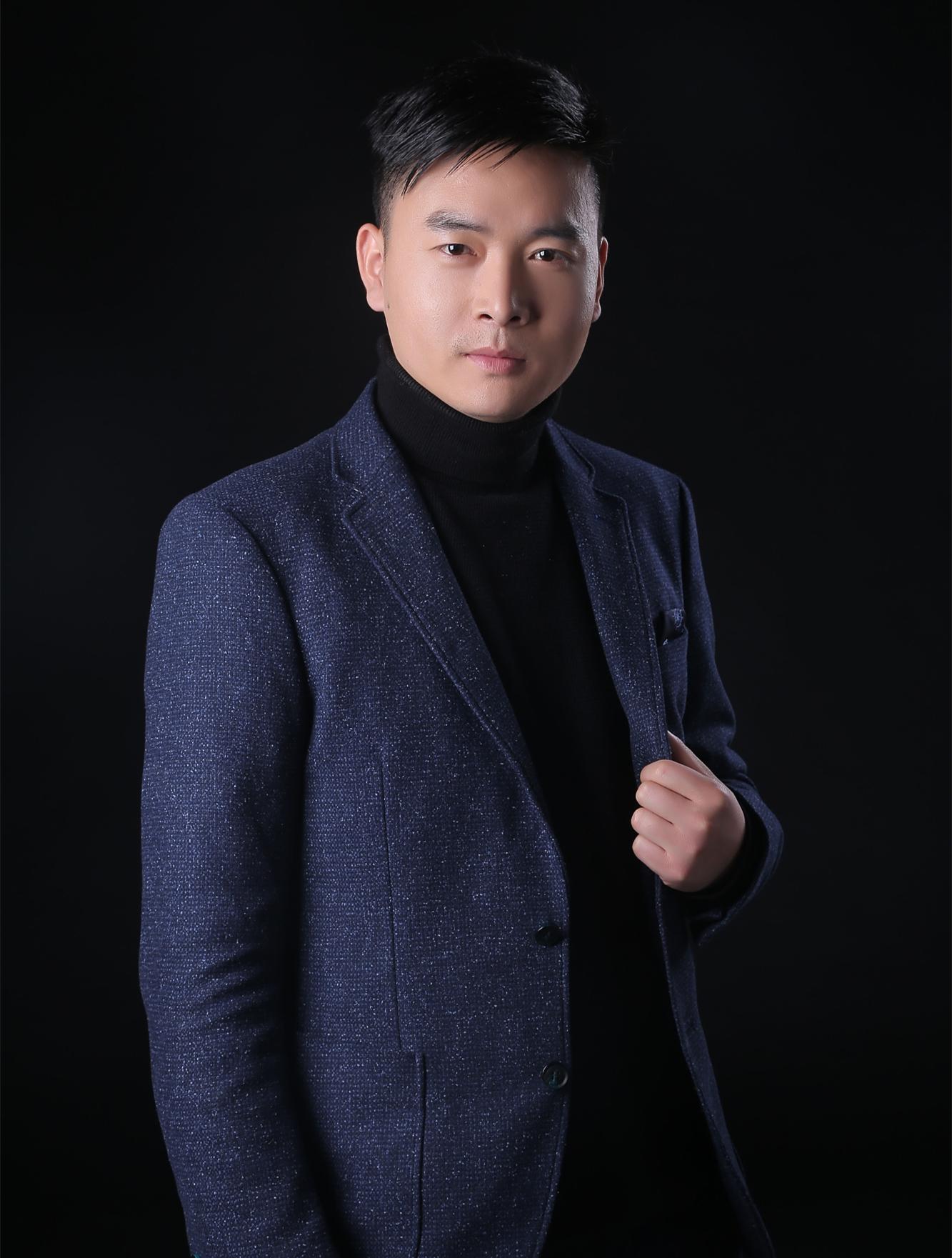 锦华装饰设计师-韦小虎