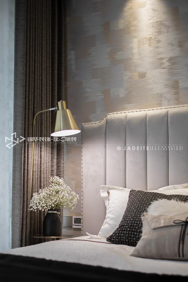 轻奢风格-运河壹号府-三室两厅-90平-卧室-装修实景效果图