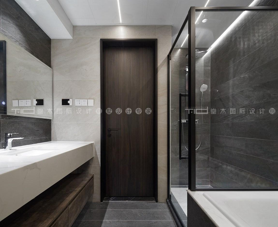 现代轻奢风格-玉兰花园-四室两厅-198平-卫生间-装修实景效果图