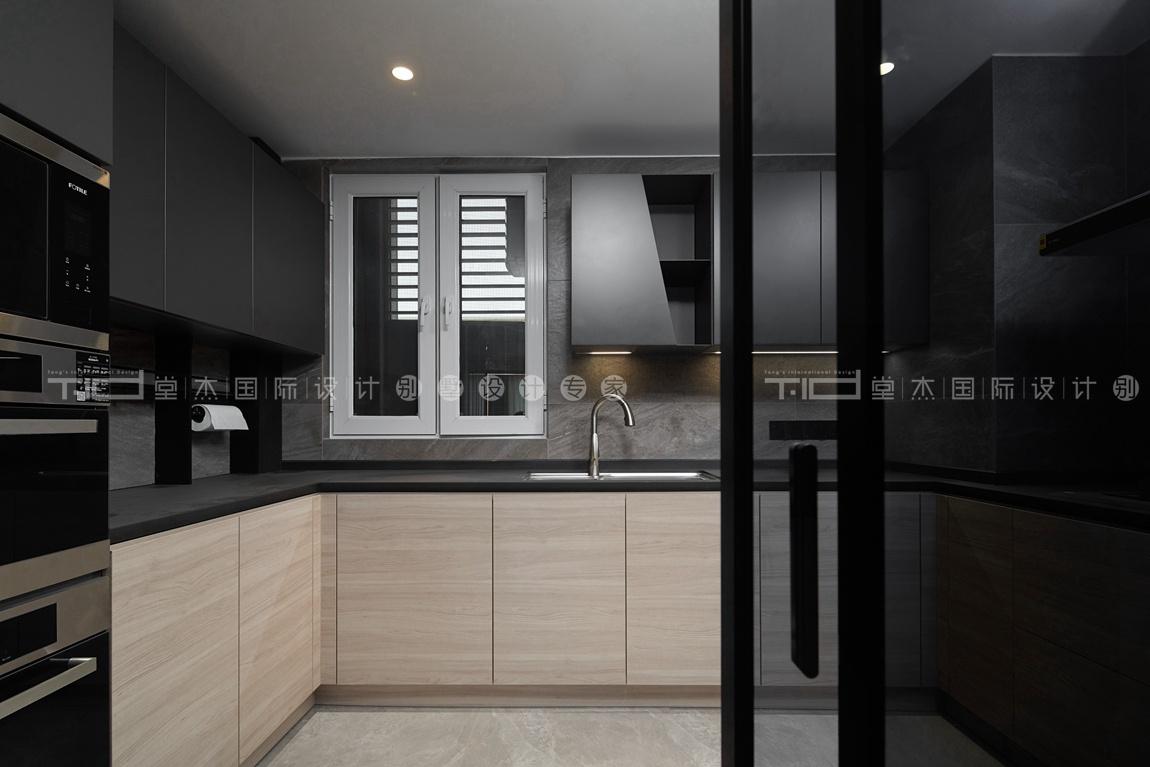 现代轻奢风格-玉兰花园-四室两厅-198平-厨房-装修实景效果图