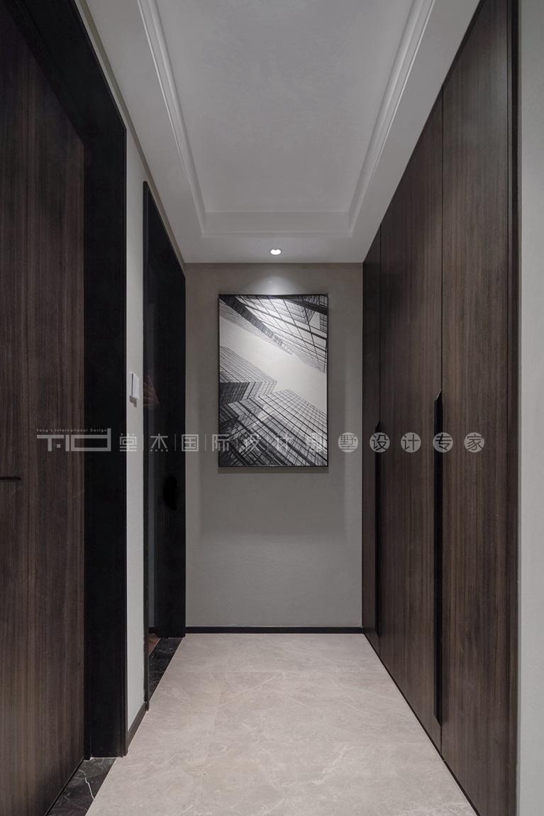 现代轻奢风格-玉兰花园-四室两厅-198平-过道-装修实景效果图