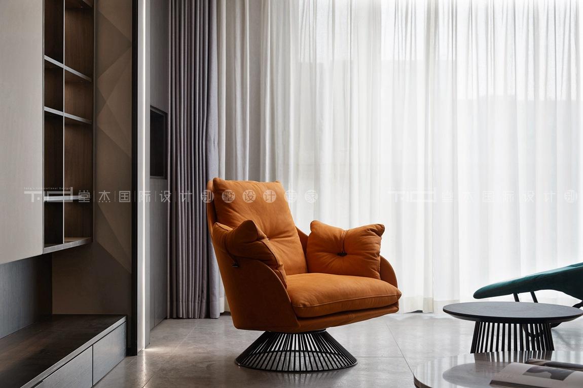 现代轻奢风格-玉兰花园-四室两厅-198平-客厅-装修实景效果图