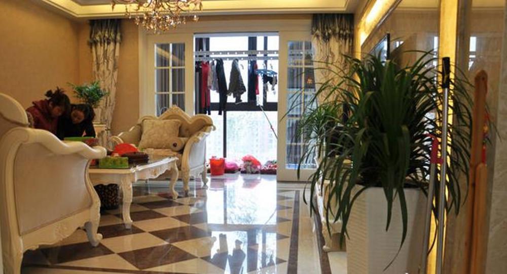 太湖国际123平方简欧风格三室两厅实景图