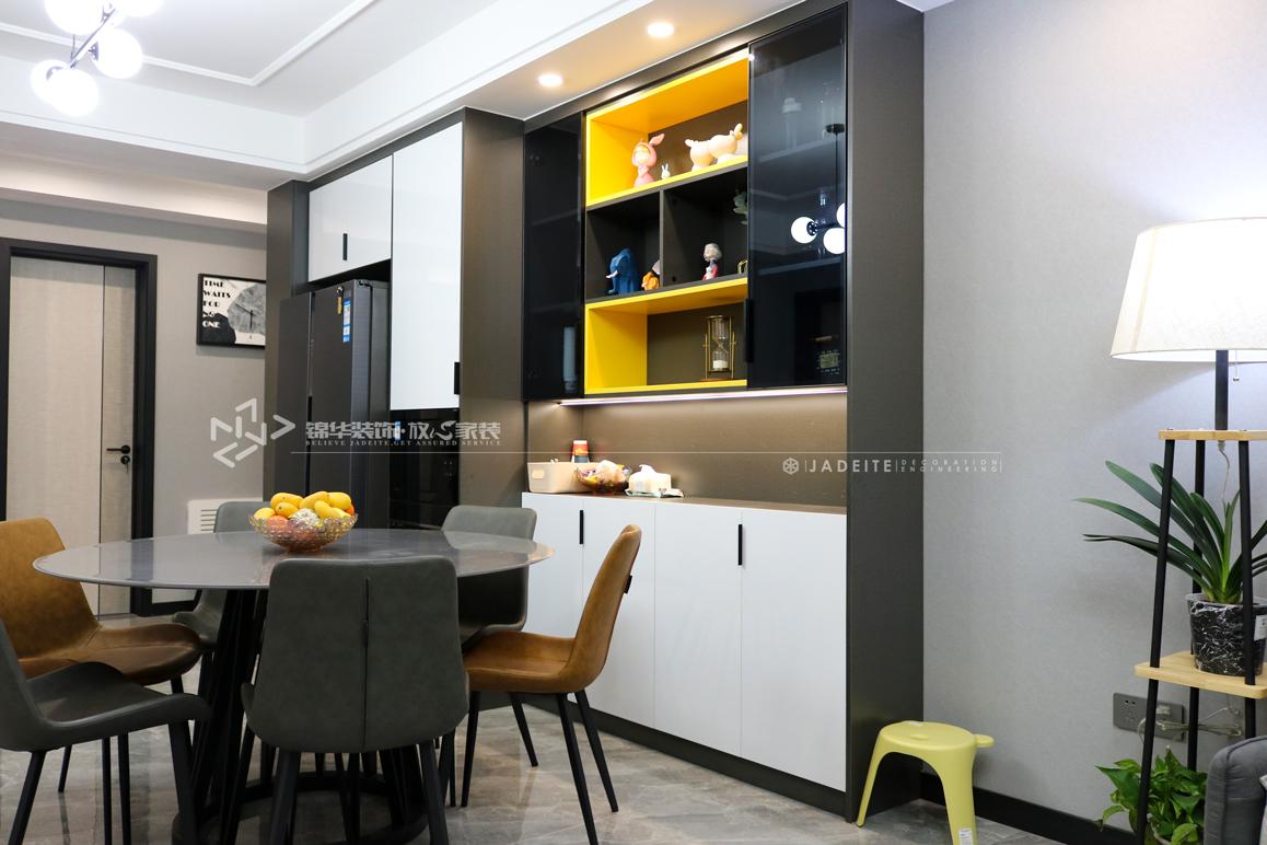 现代简约-绿地滨湖城-三室两厅-108㎡装修实景效果图装修-三室两厅-现代简约