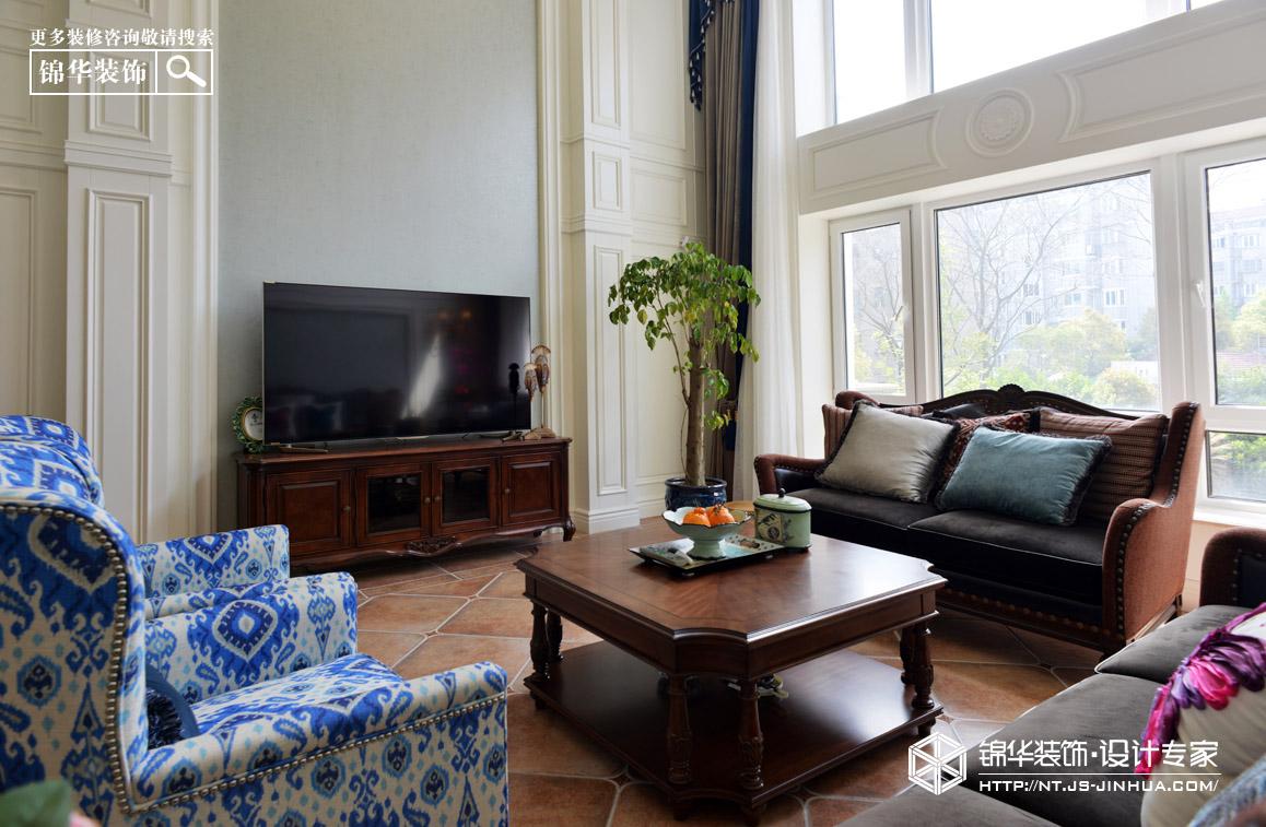 550平美式风格别墅实景图