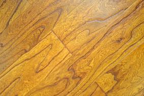李洋实木多层地板-榆木