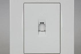 品宜系列—一位电话插座